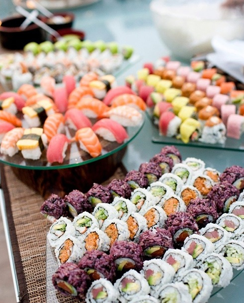 cocktail-hour-seafood-station-sushi